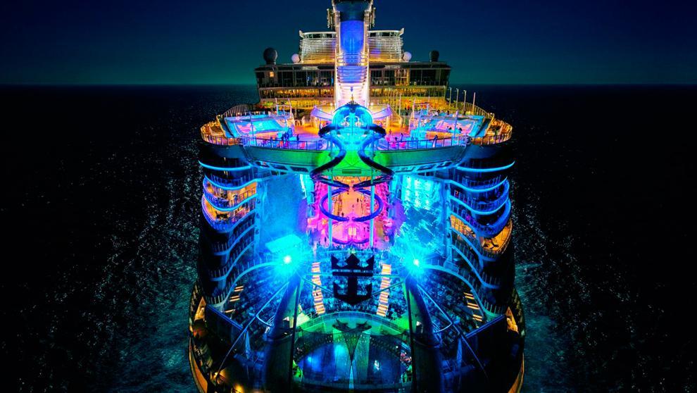 Symphony of the seas el crucero m s grande del mundo for Hoteles mas lujosos del mundo bajo el mar