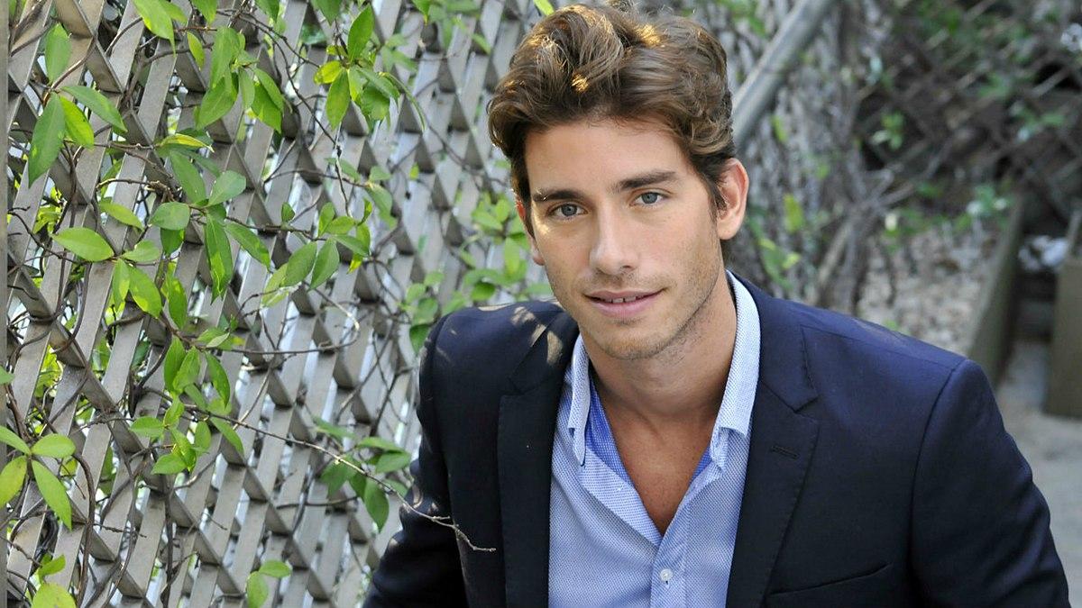 Descubren a Sol Pérez a los besos con un conocido actor