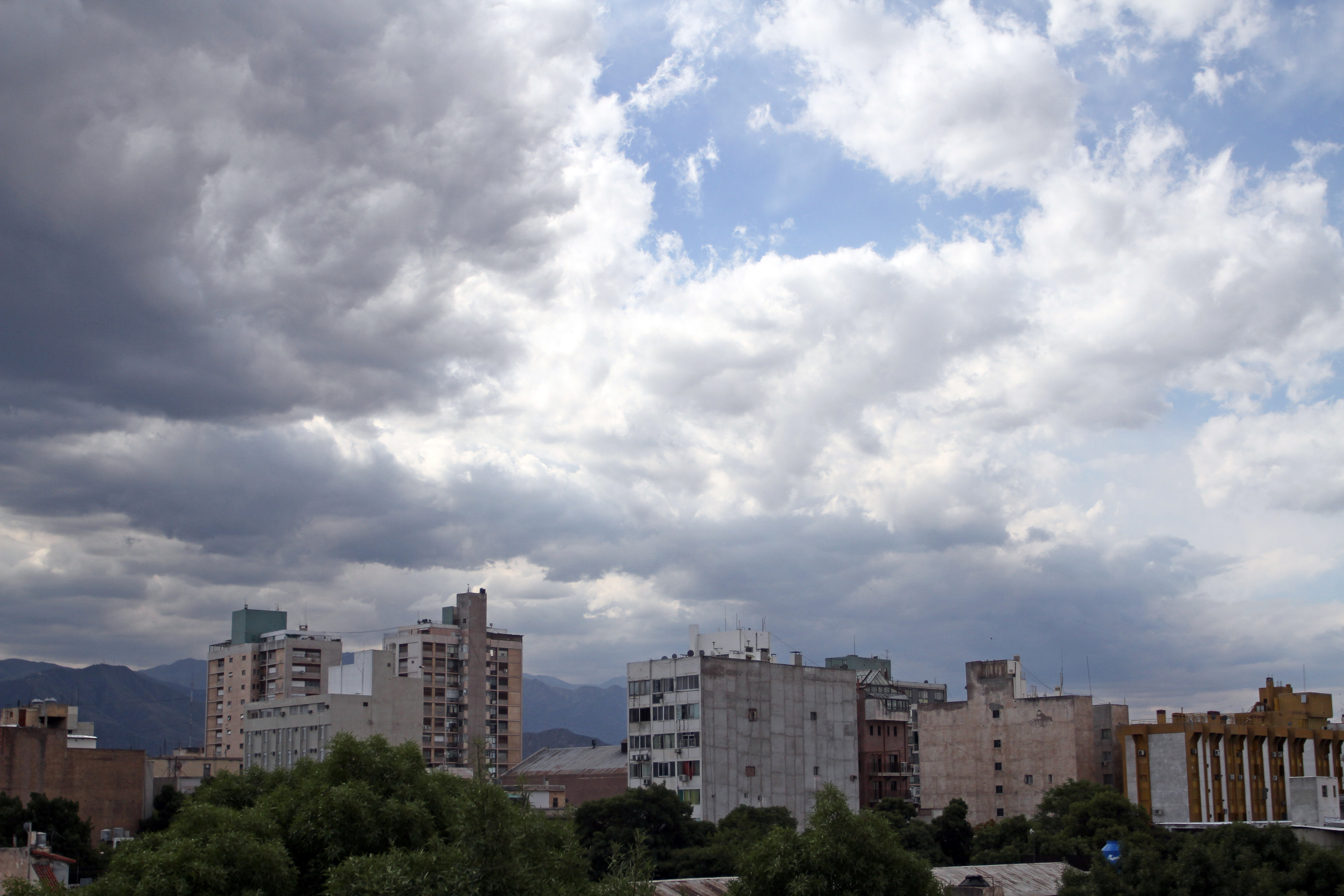 Renuevan alerta por tormentas para la provincia de Córdoba