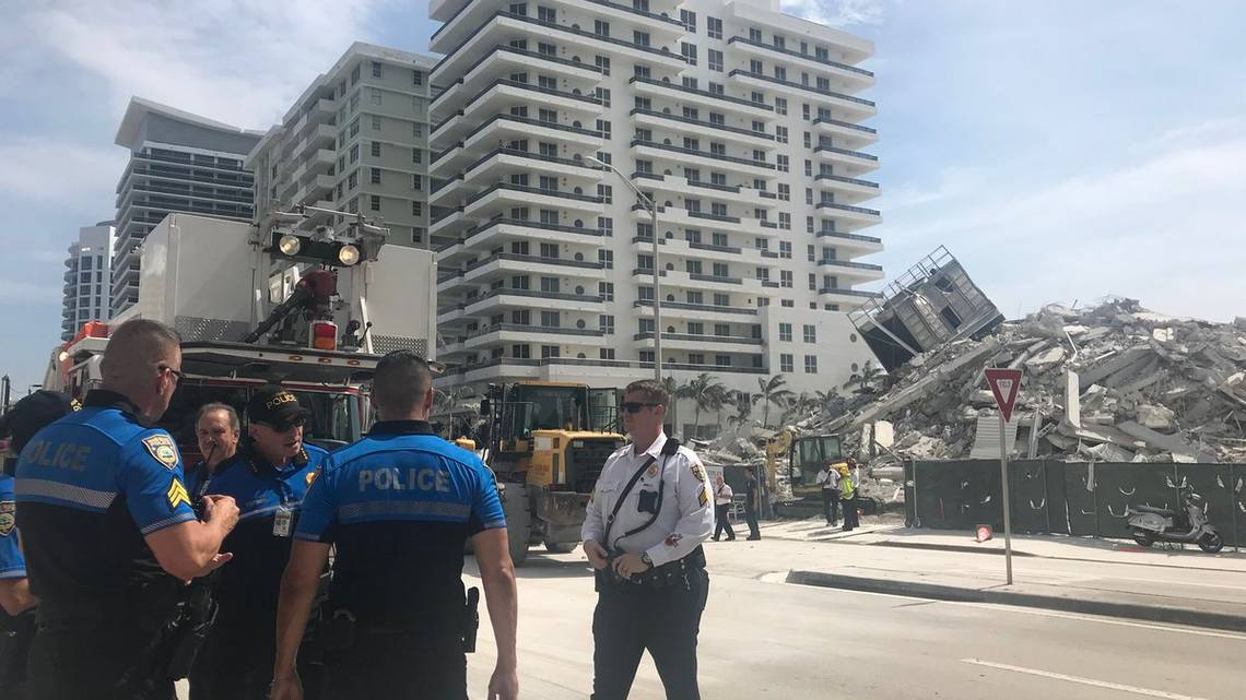 Colapso de edificio en Miami deja al menos un herido