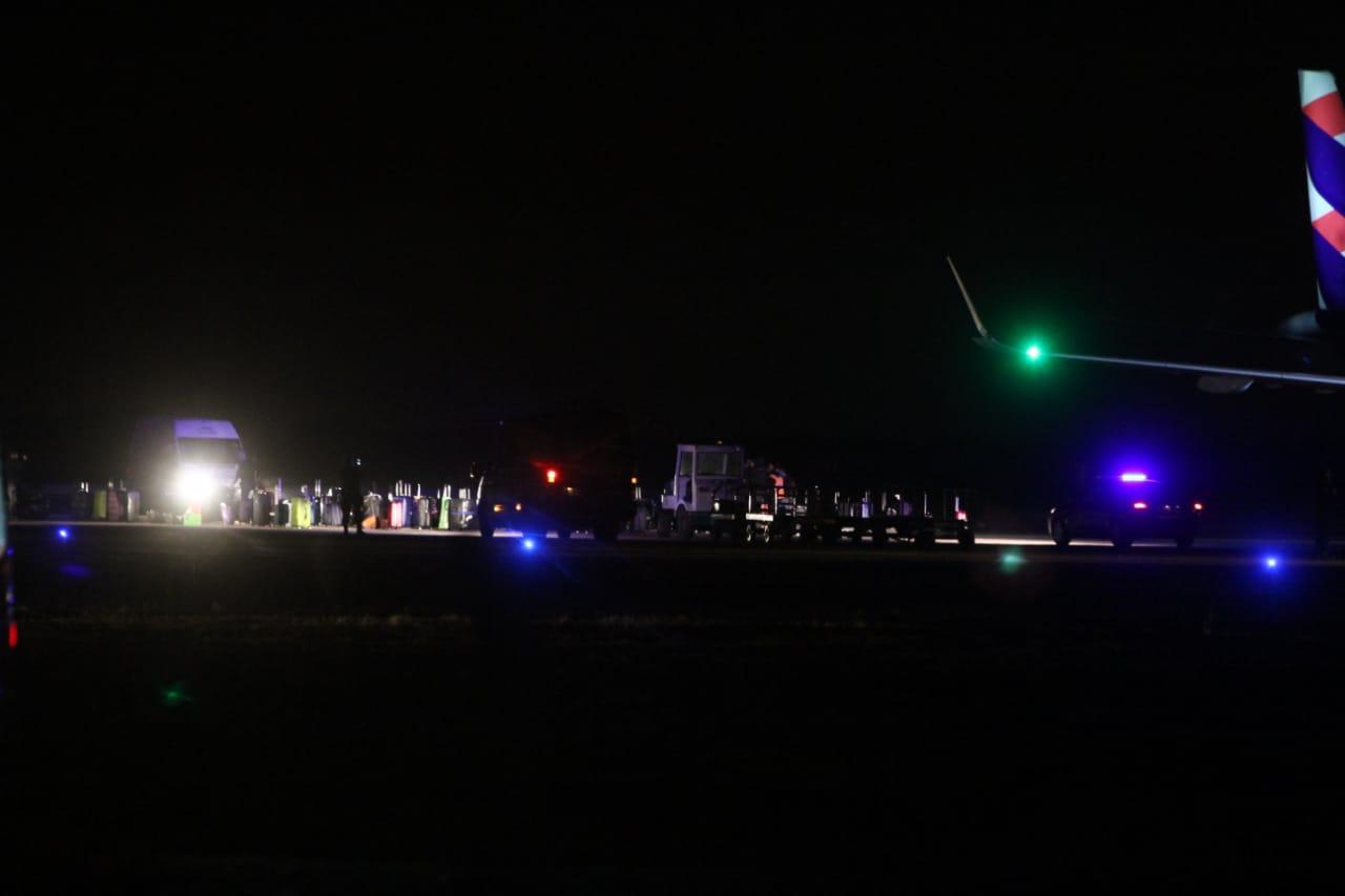 Avión con destino a Santiago aterriza de emergencia en Pisco