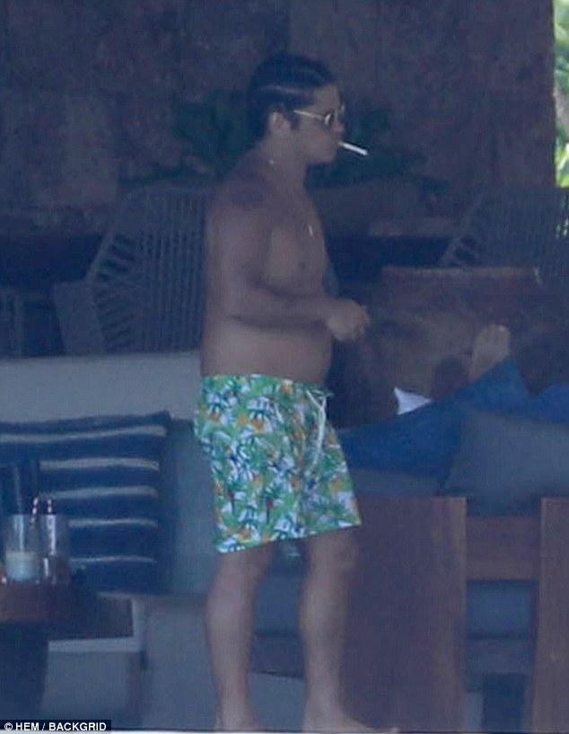 Captan a Bruno Mars con evidente sobrepeso