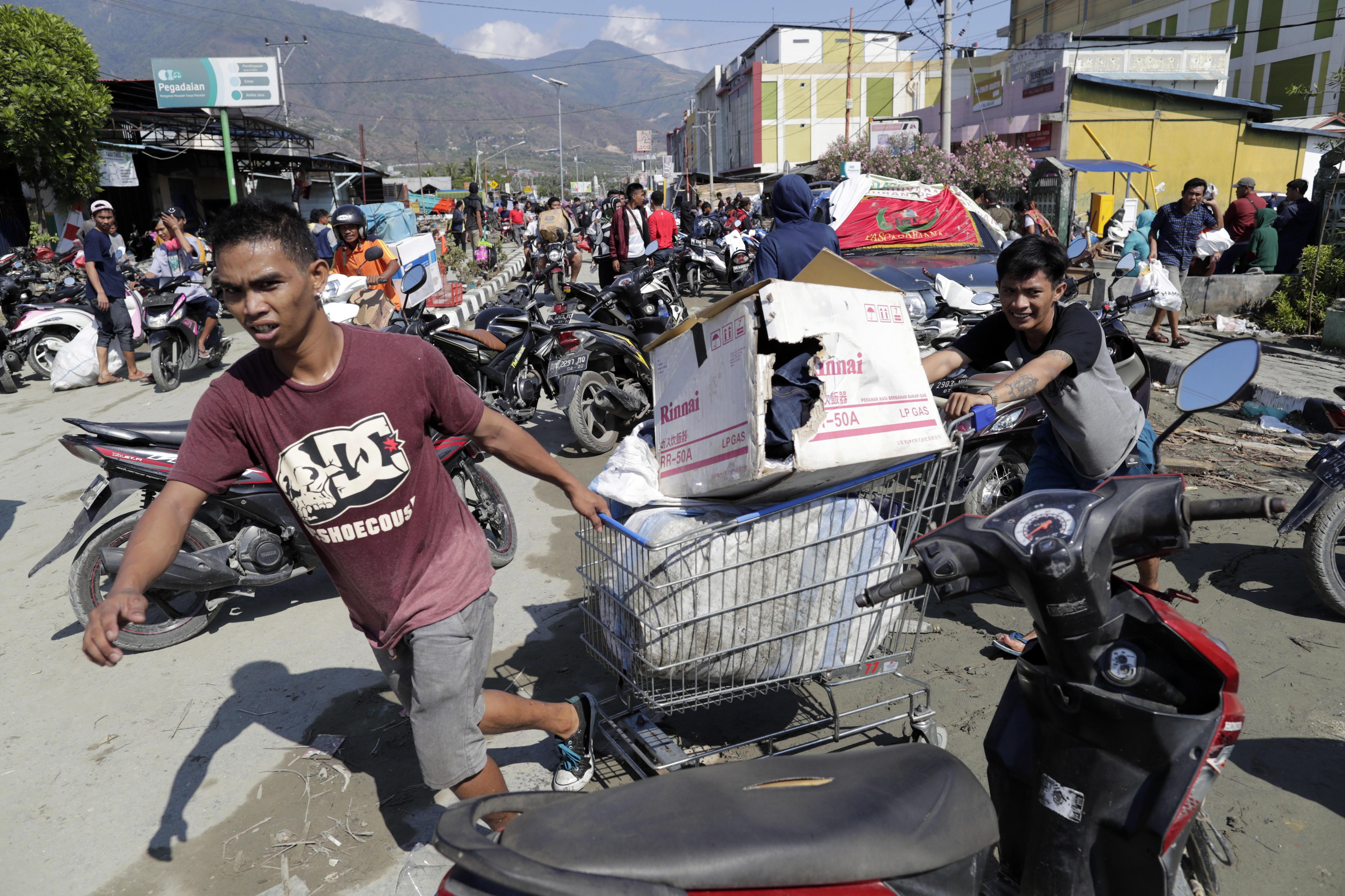 Terremoto y tsunami en Indonesia: número de muertos supera los 1.200