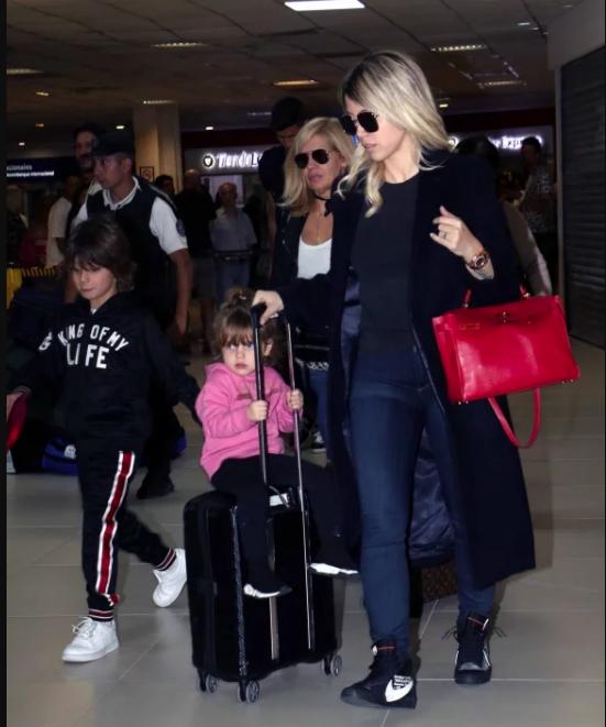 Ivana Icardi, lapidaria con su hermano Mauro y su cuñada Wanda