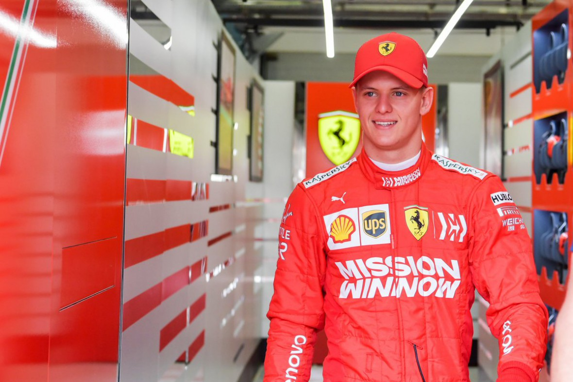 Mick Schumacher prueba un Ferrari de fórmula 1