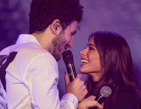 Sebastián Yatra protagoniza video íntimo junto a su novia