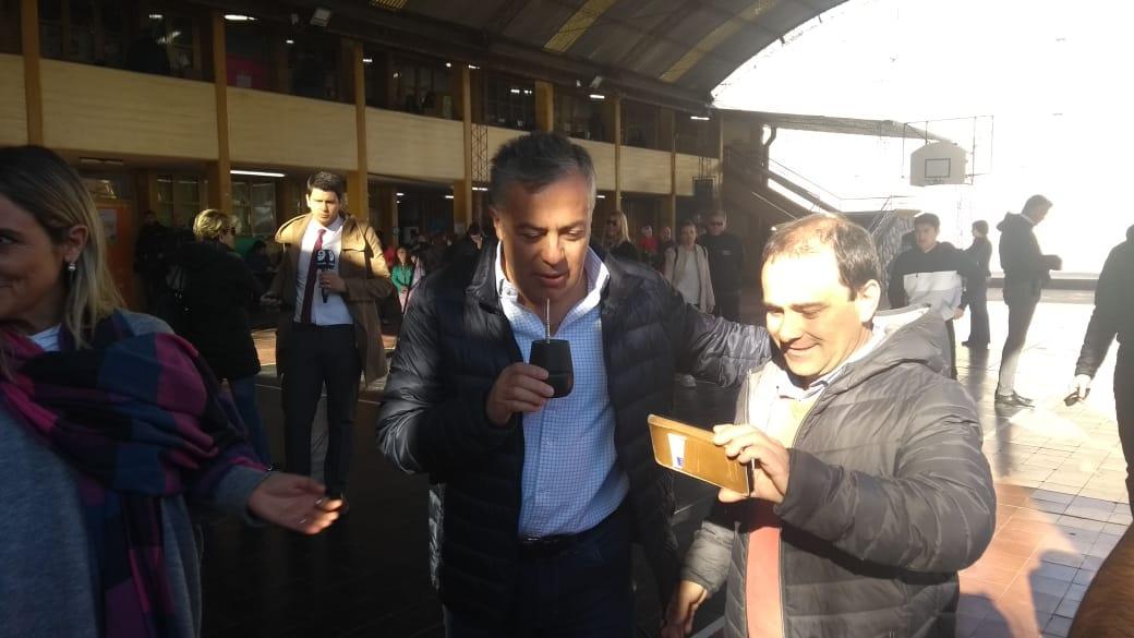 Anabel Fernández Sagasti y Rodolfo Suárez votaron y esperan resultados