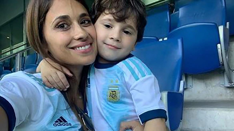 La romántica foto de Antonela Rocuzzo y Messi con un invitado especial