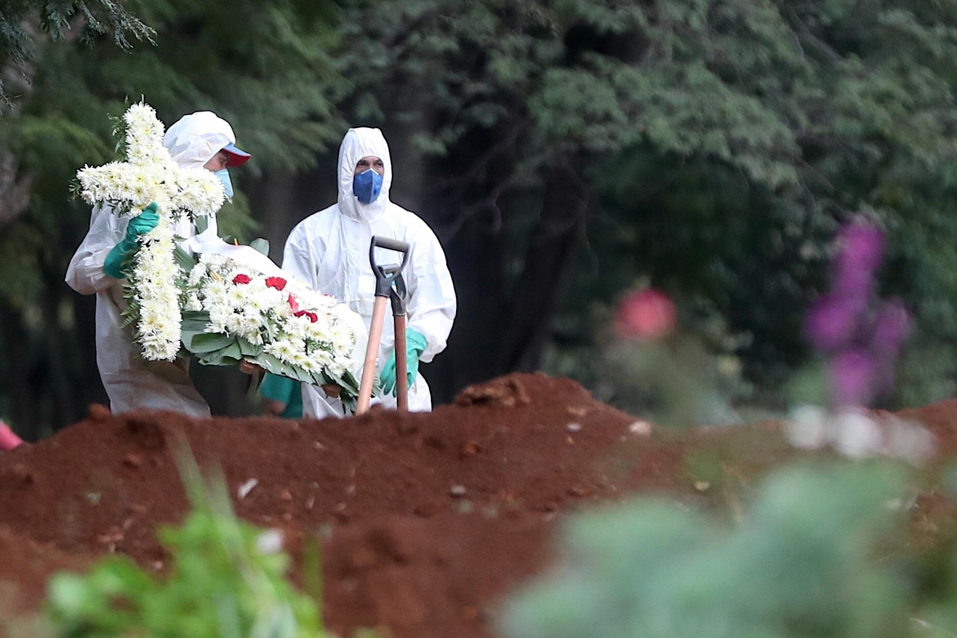 Brasil sobrepasa 10 mil casos y muertos por COVID-19 son 431