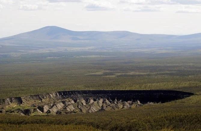 Puerta del infierno: el cráter ruso que no para de crecer - Diario El Sol.  Mendoza, Argentina.