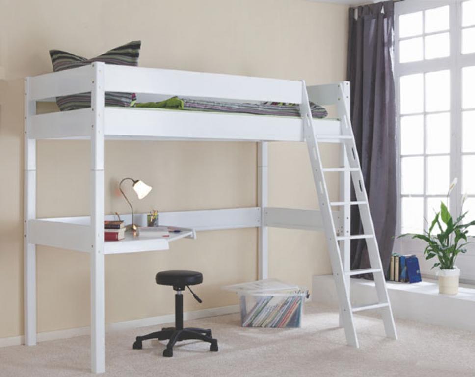 C mo decorar una habitaci n peque a - Cama litera con escritorio debajo ...