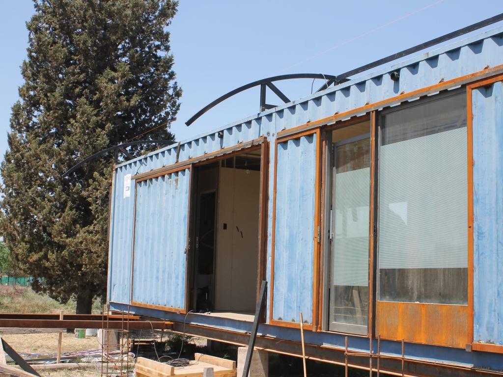 Las mendocinas que hacen casas con contenedores elsol - Contenedores para vivienda ...